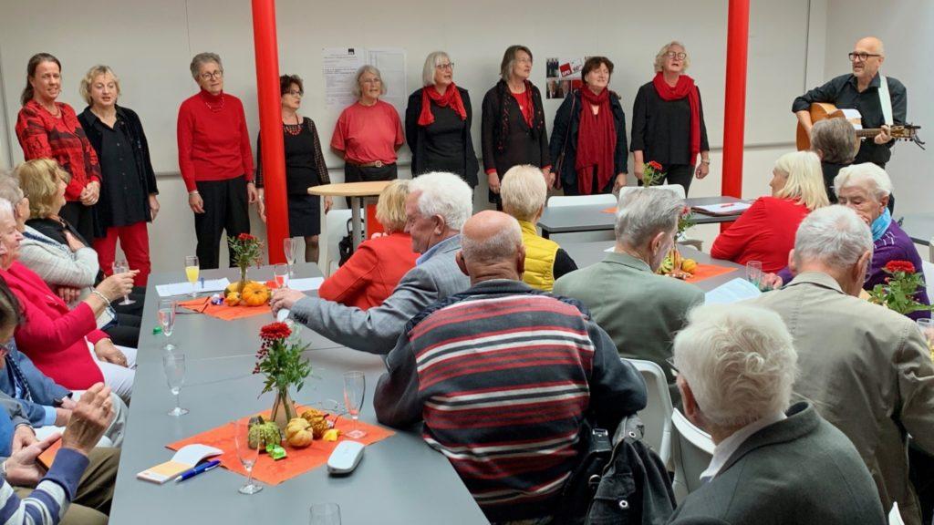 Der DGB-Chor beim 25-jährigen Jubiläum der SPD AG 60plus